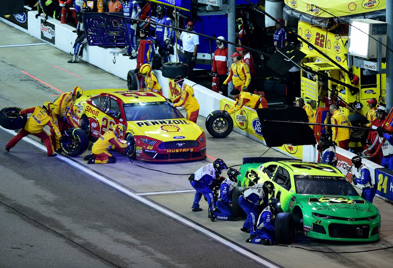 William Byron and Joey Logano - NASCAR Cup Series Pit Stops - Darlington Raceway