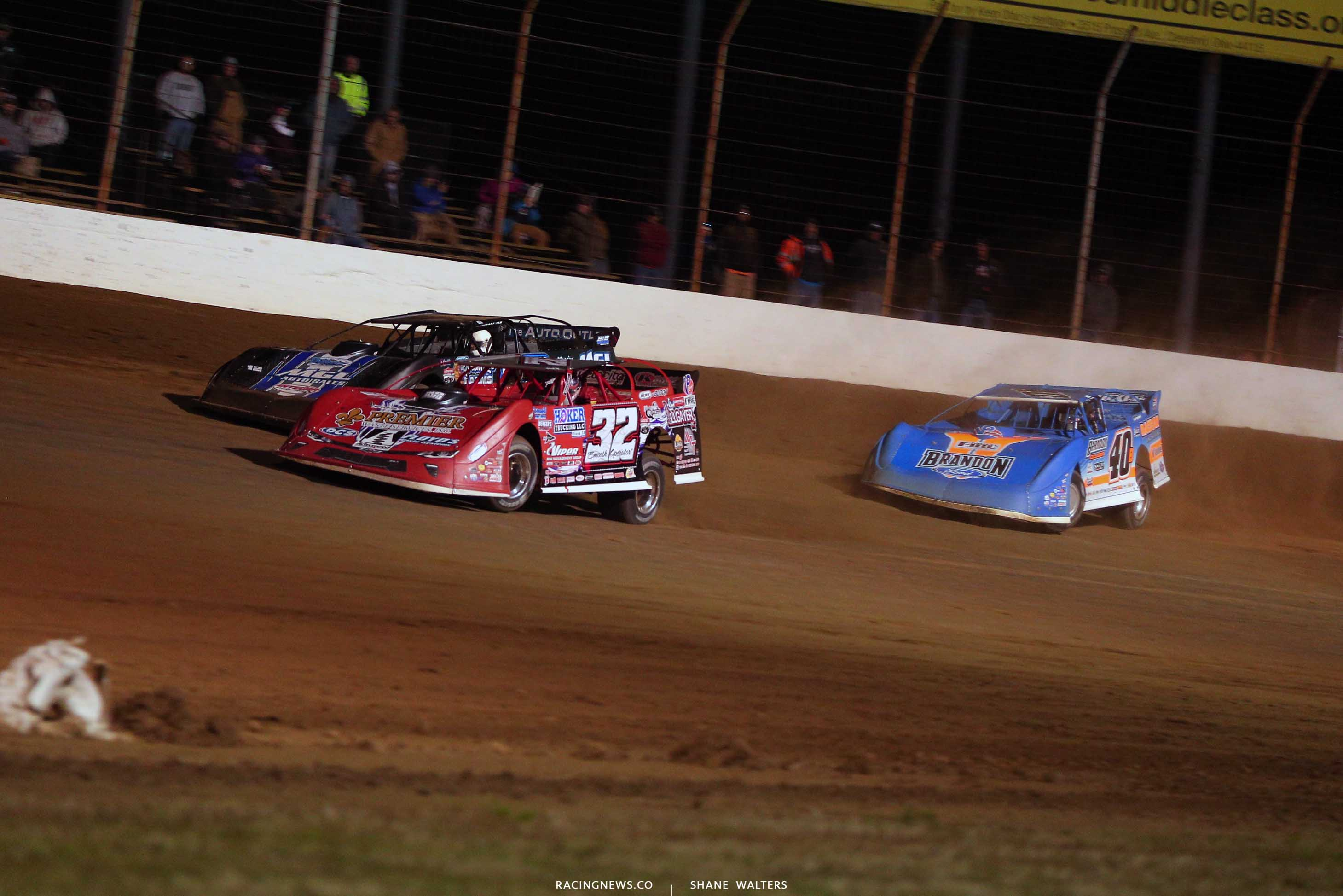 Bobby Pierce, Jason Jameson and Kyle Bronson at Portsmouth Raceway Park - Lucas Oil Series 9157