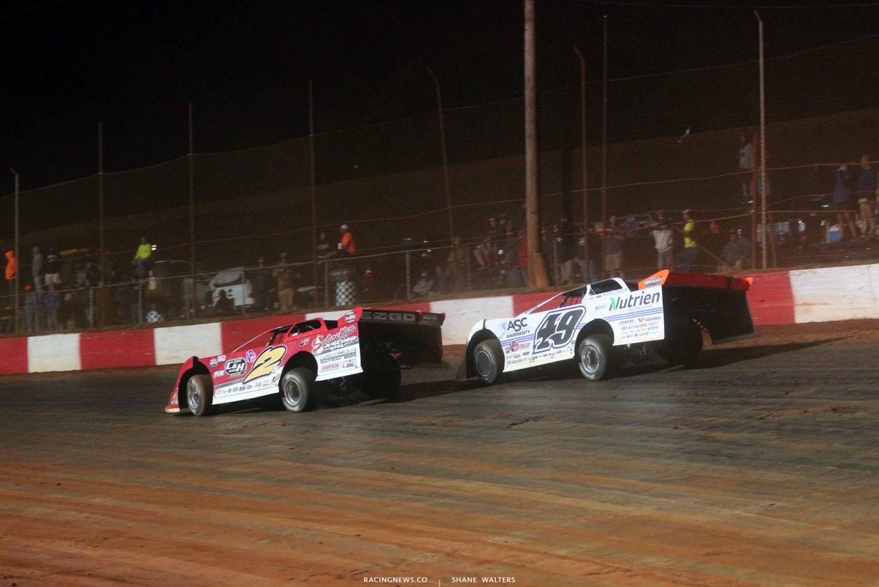 Brandon Overton and Jonathan Davenport at Dixie Speedway - LOLMDS 8796