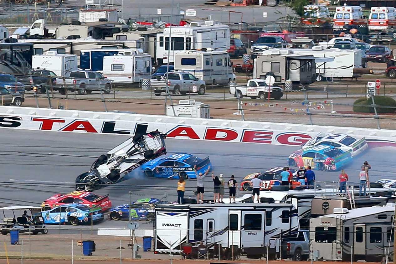 Big crash at Talladega Superspeedway in NASCAR race ...