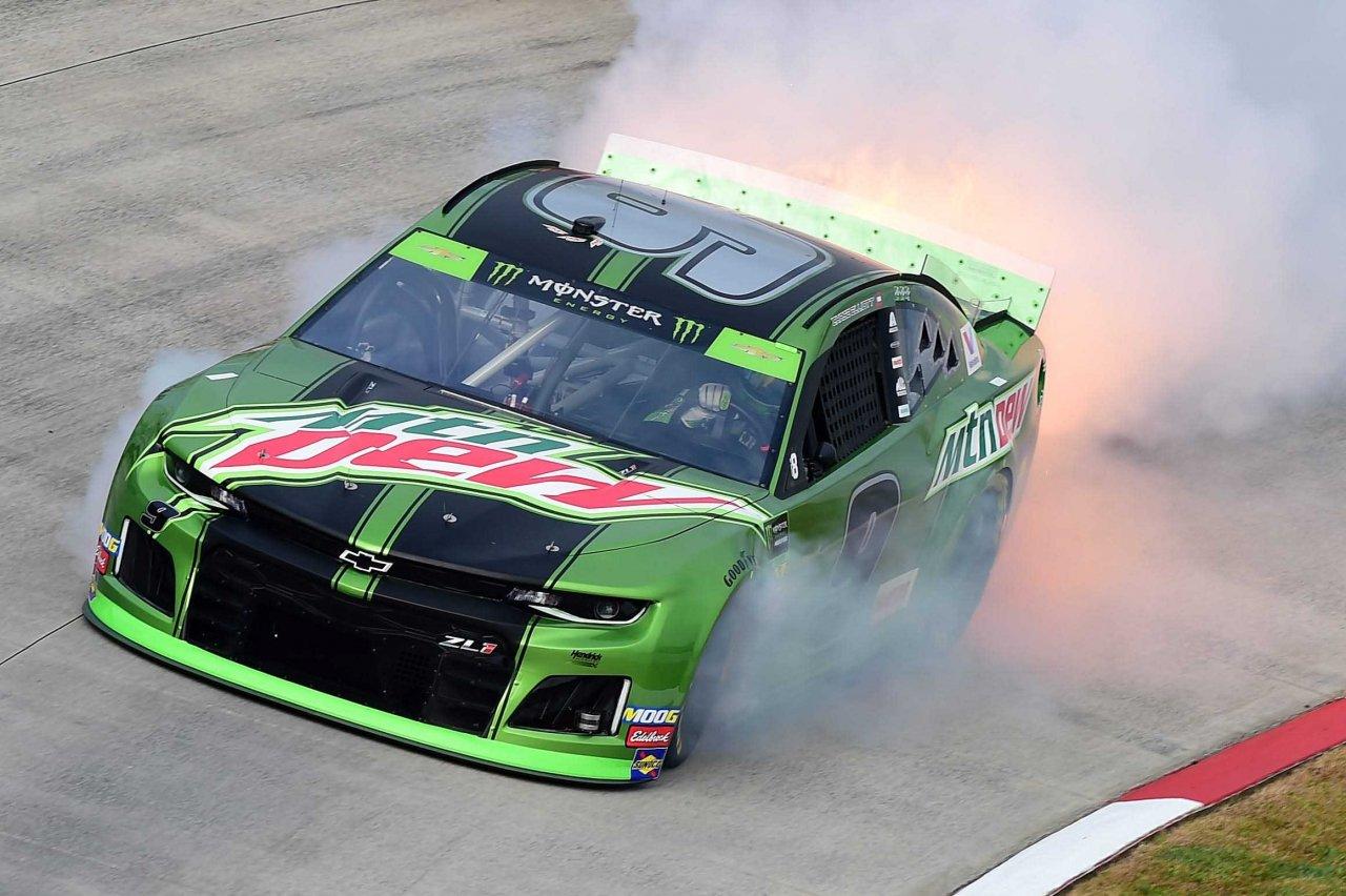 Chase Elliott blows engine at Martinsville Speedway - NASCAR Cup Series