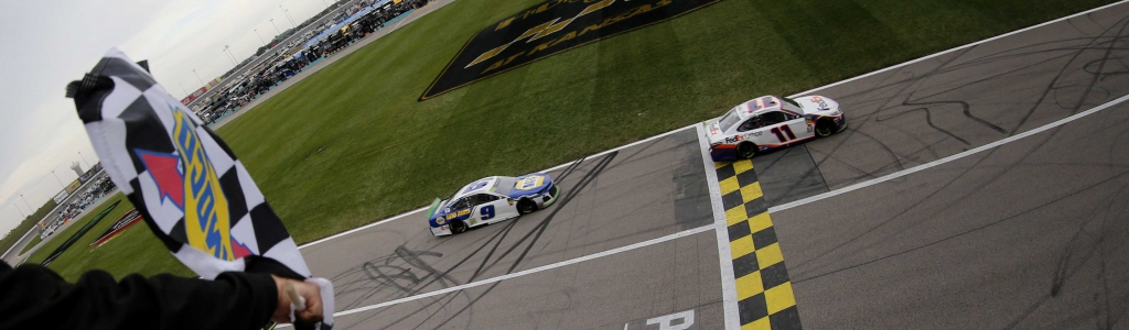 Caution light at Kansas Speedway saves Chase Elliott; NASCAR explains call