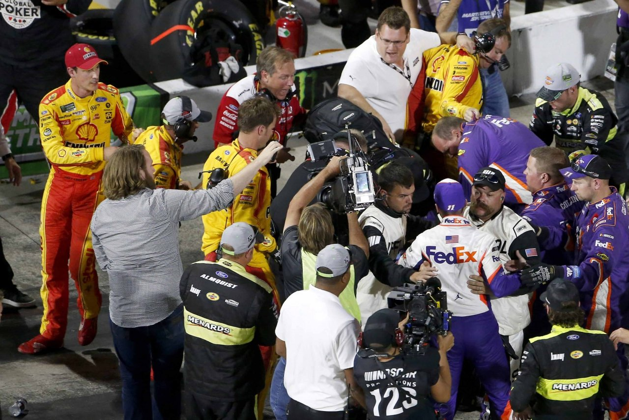 Joey Logano and Denny Hamlin fight at Martinsville Speedway - NASCAR