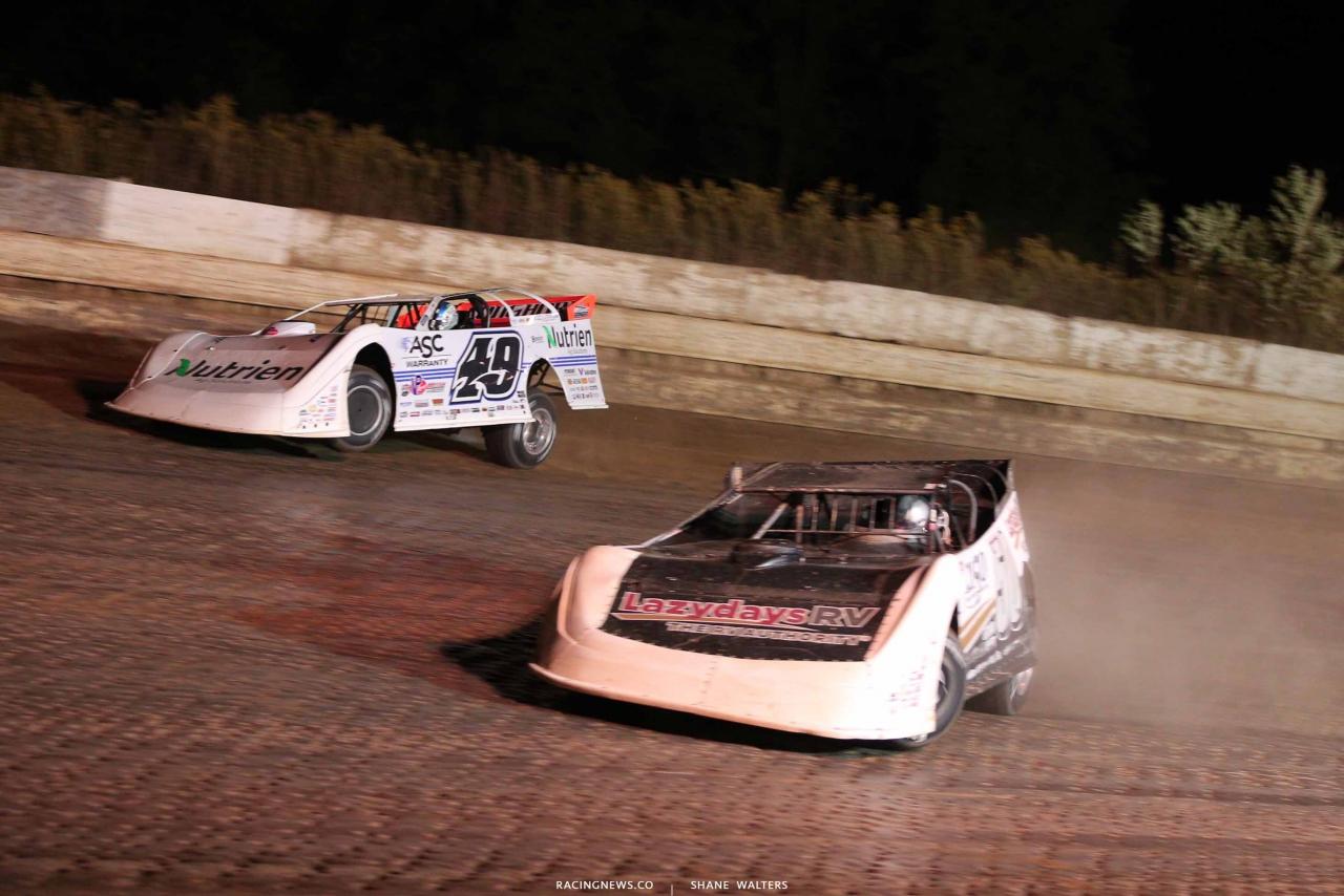 Jonathan Davenport and Shanon Buckingham at PPMS - Lucas Oil Late Model Dirt Series 8425