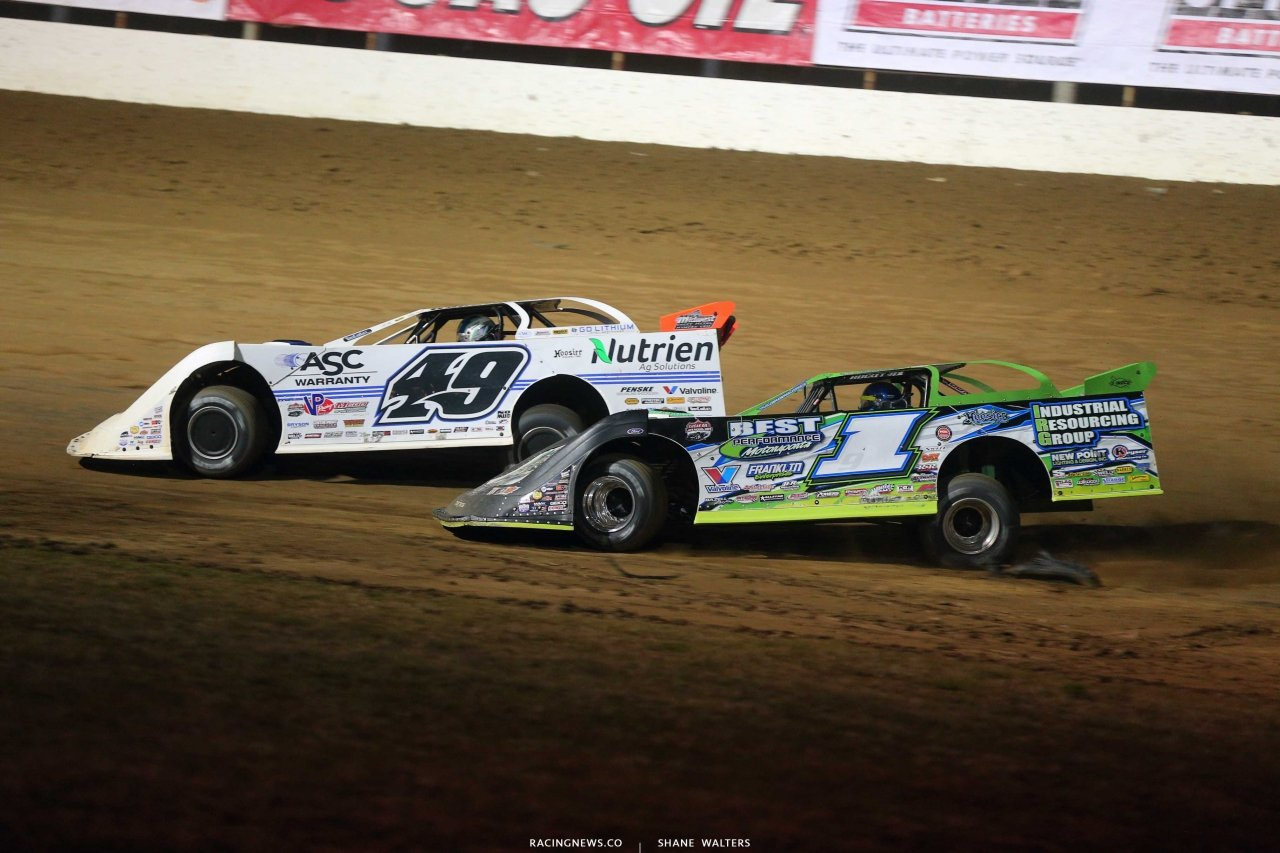 Jonathan Davenport and Tyler Erb in the Dirt Track World Championship at Portsmouth Raceway Park - LOLMDS 8974