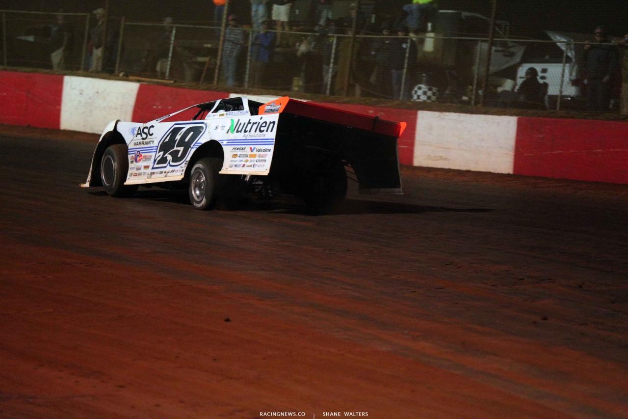 Jonathan Davenport at Dixie Speedway - LOLMDS 8765