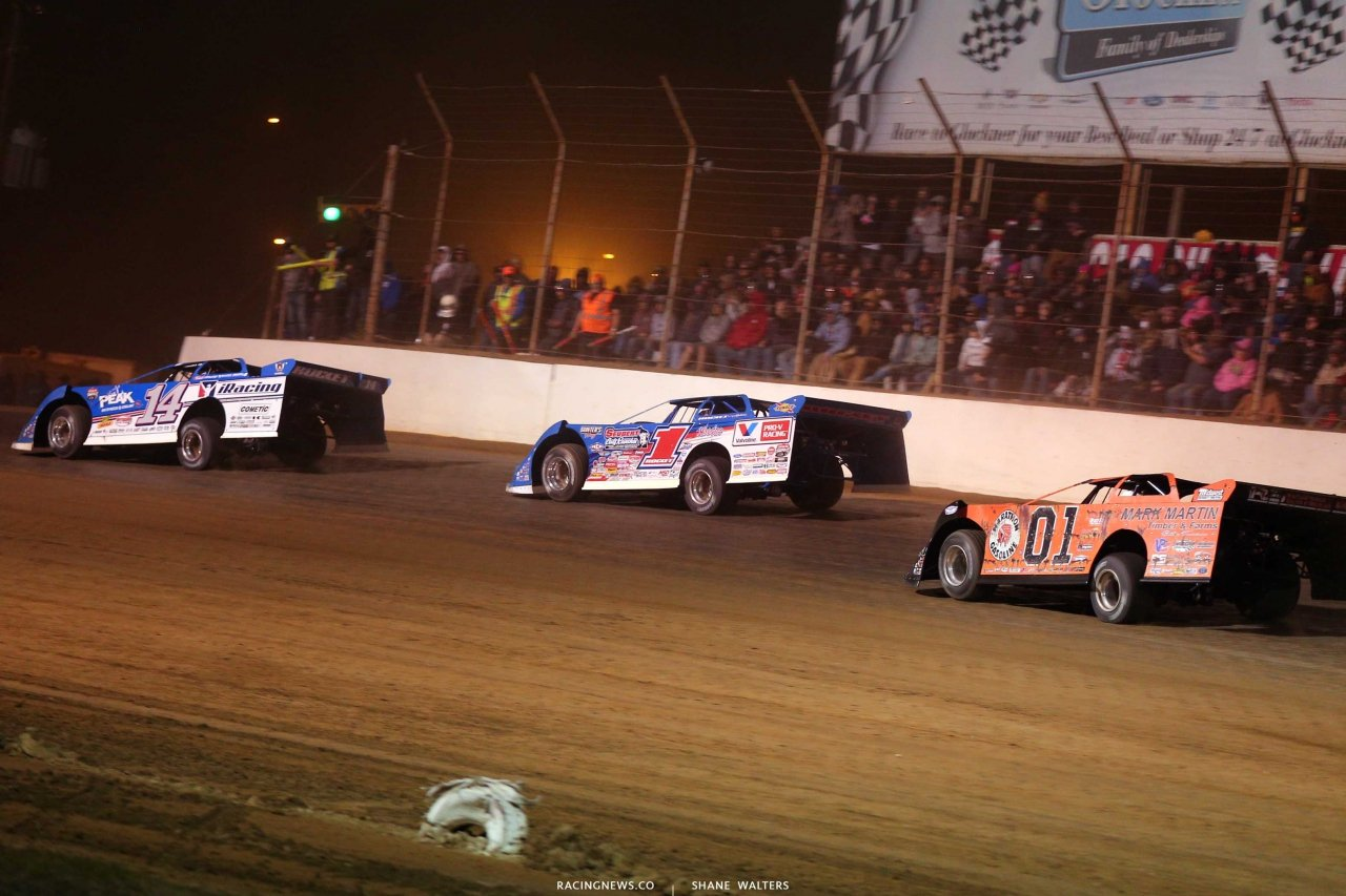 Josh Richards, Brandon Sheppard and Mike Marlar at Portsmouth Raceway Park - Lucas Oil Late Model Dirt Series 9357