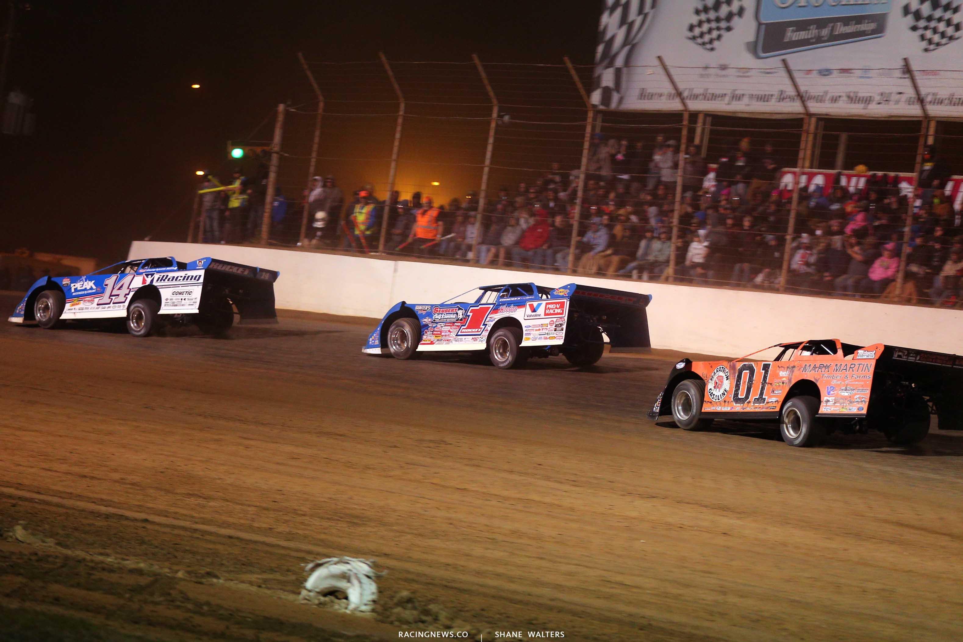 Josh Richards, Brandon Sheppard and Mike Marlar at Portsmouth Raceway Park - Lucas Oil Late Model Dirt Series 9357