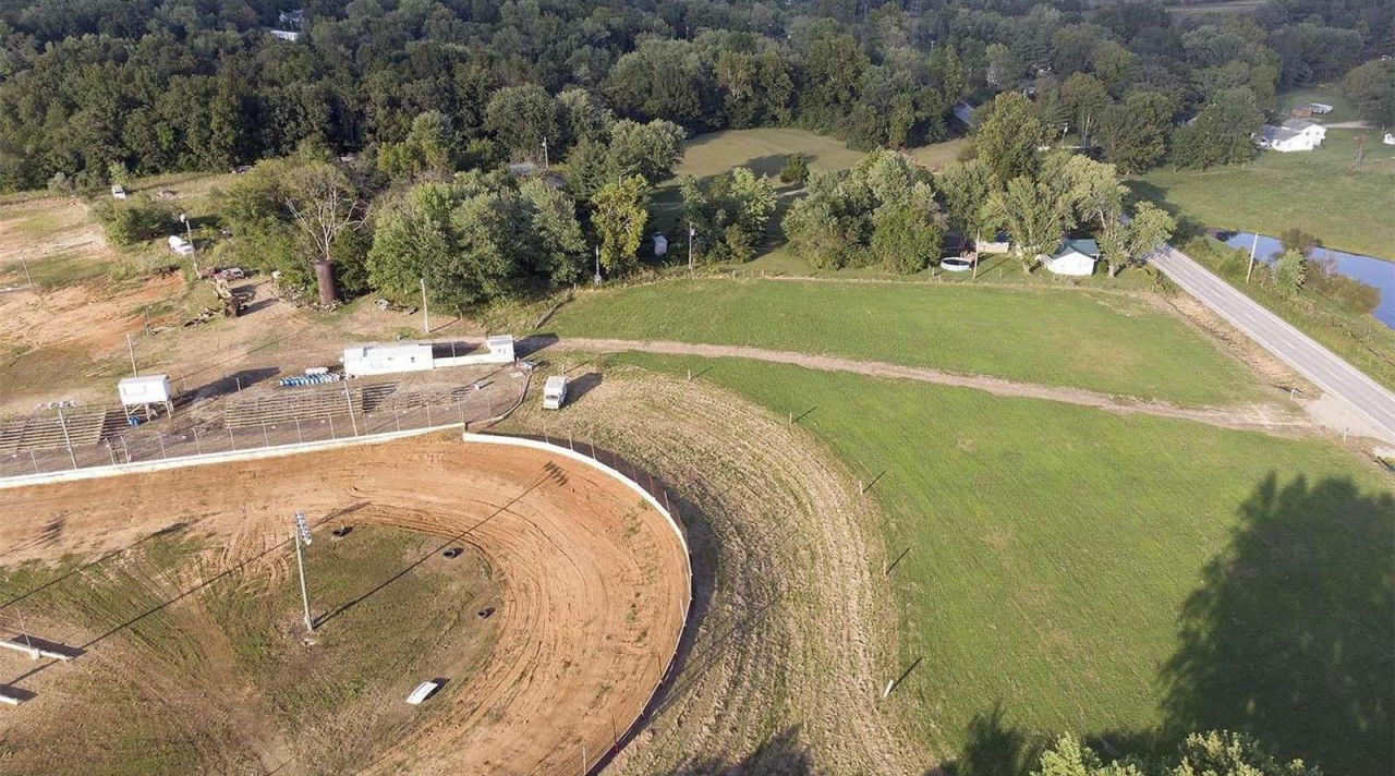 MO Dirt Track For Sale