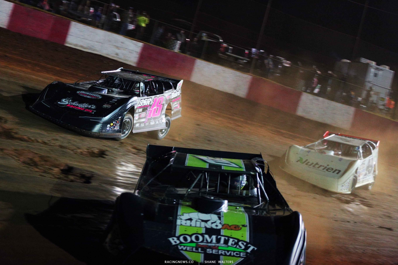 Michael Page, Jimmy Owens and Jonathan Davenport at Dixie Speedway - Lucas Oil Series 8740