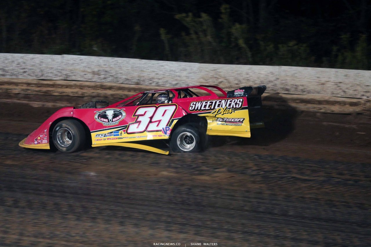 Tim McCreadie has a flat tire at PPMS - LOLMDS 8452