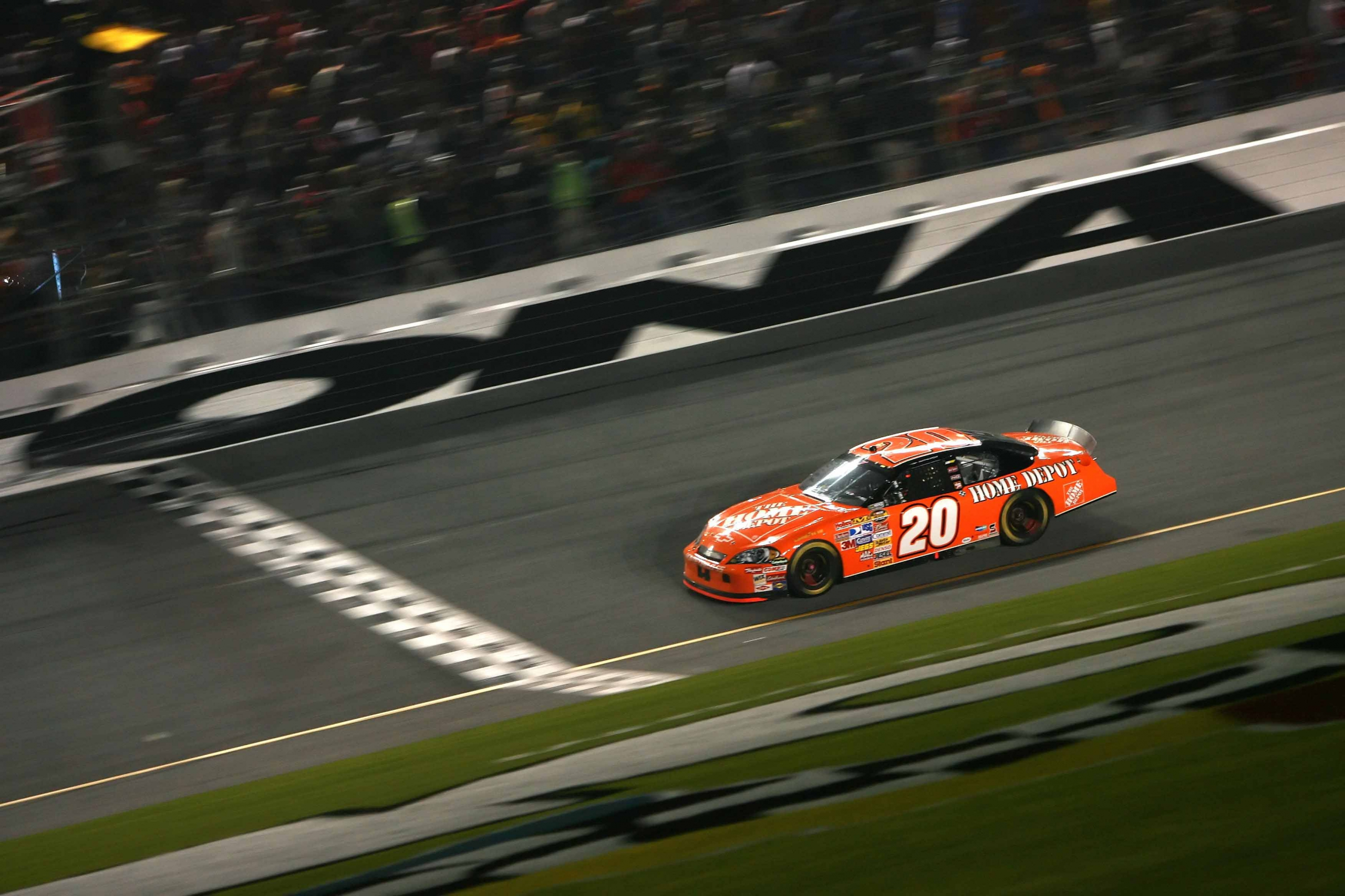 2007 Tony Stewart at Daytona International Speedway - NASCAR