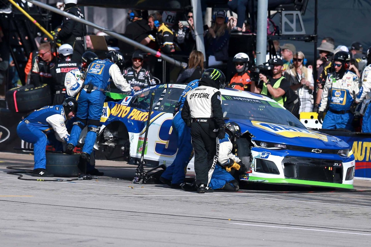 Chase Elliott crashes at Texas Motor Speedway - NASCAR