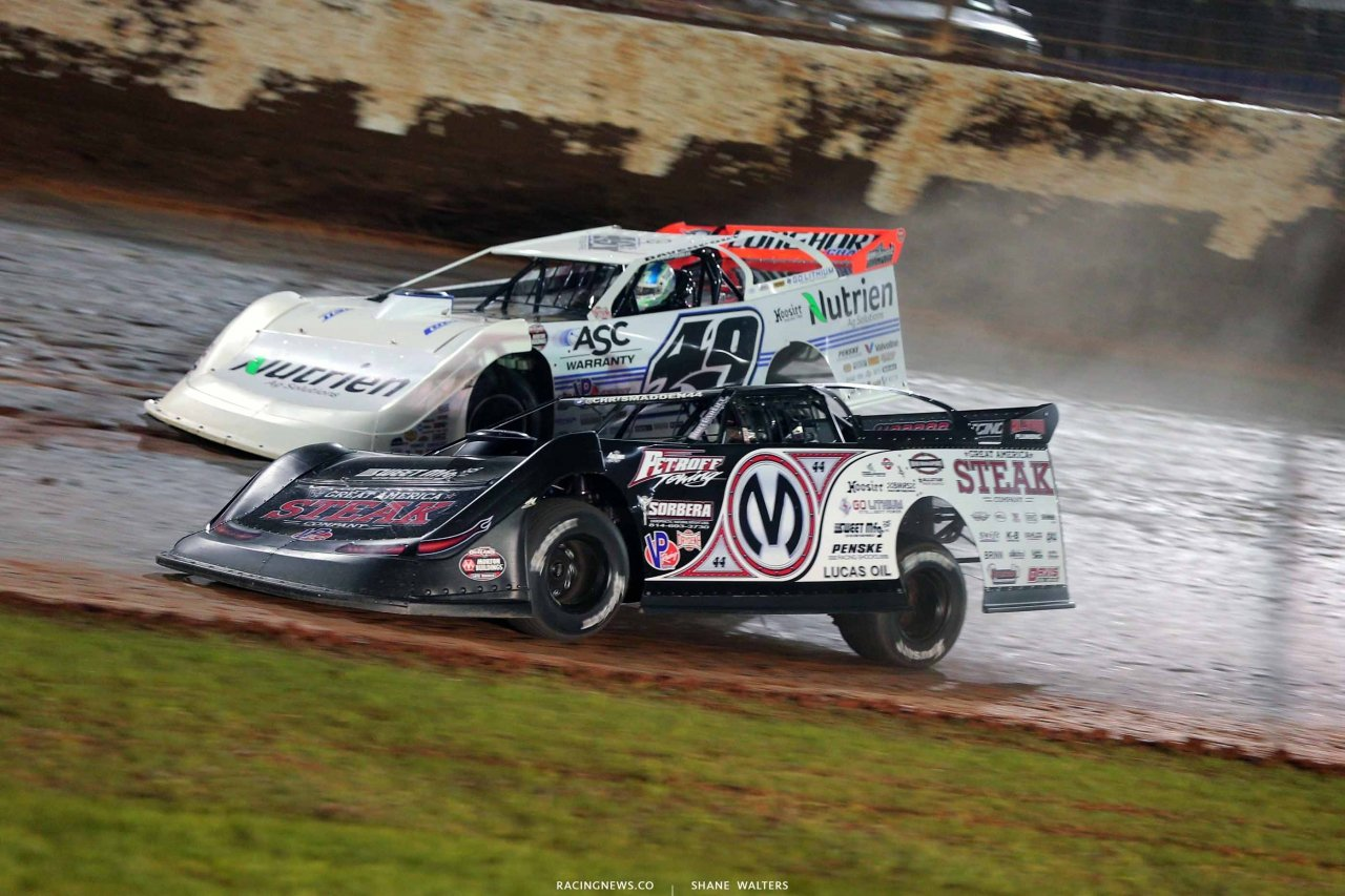 Chris Madden and Jonathan Davenport on The Dirt Track at Charlotte - World of Outlaws Late Models 0597