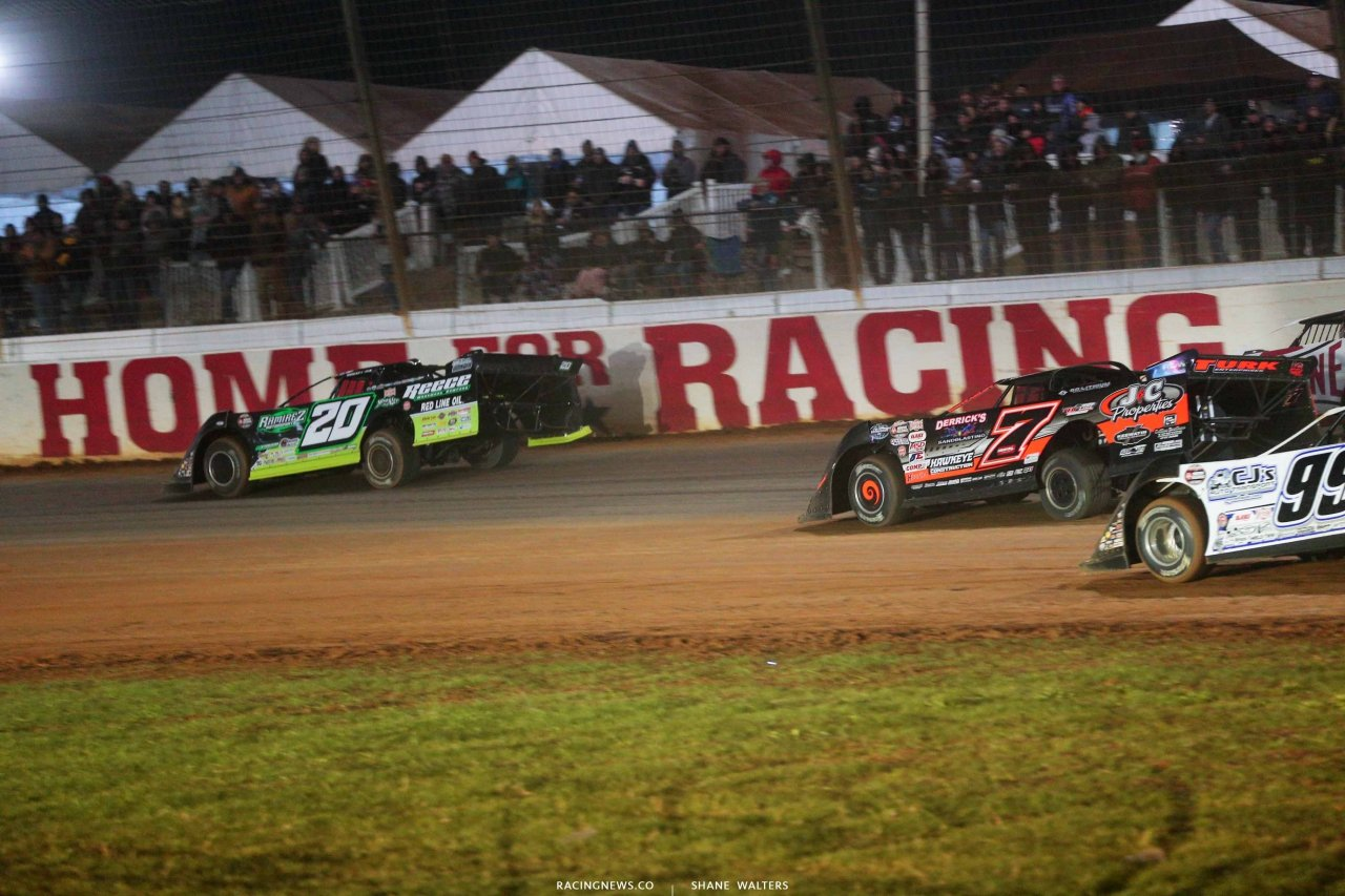 Jimmy Owens leads Ricky Weiss on The Dirt Track at Charlotte - World of Outlaws World Finals 1318