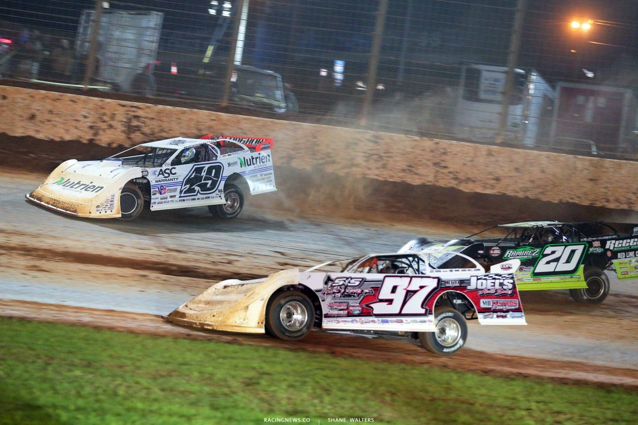 Jonathan Davenport and Jimmy Owens on The Dirt Track at Charlotte - World of Outlaws Late Models 1250