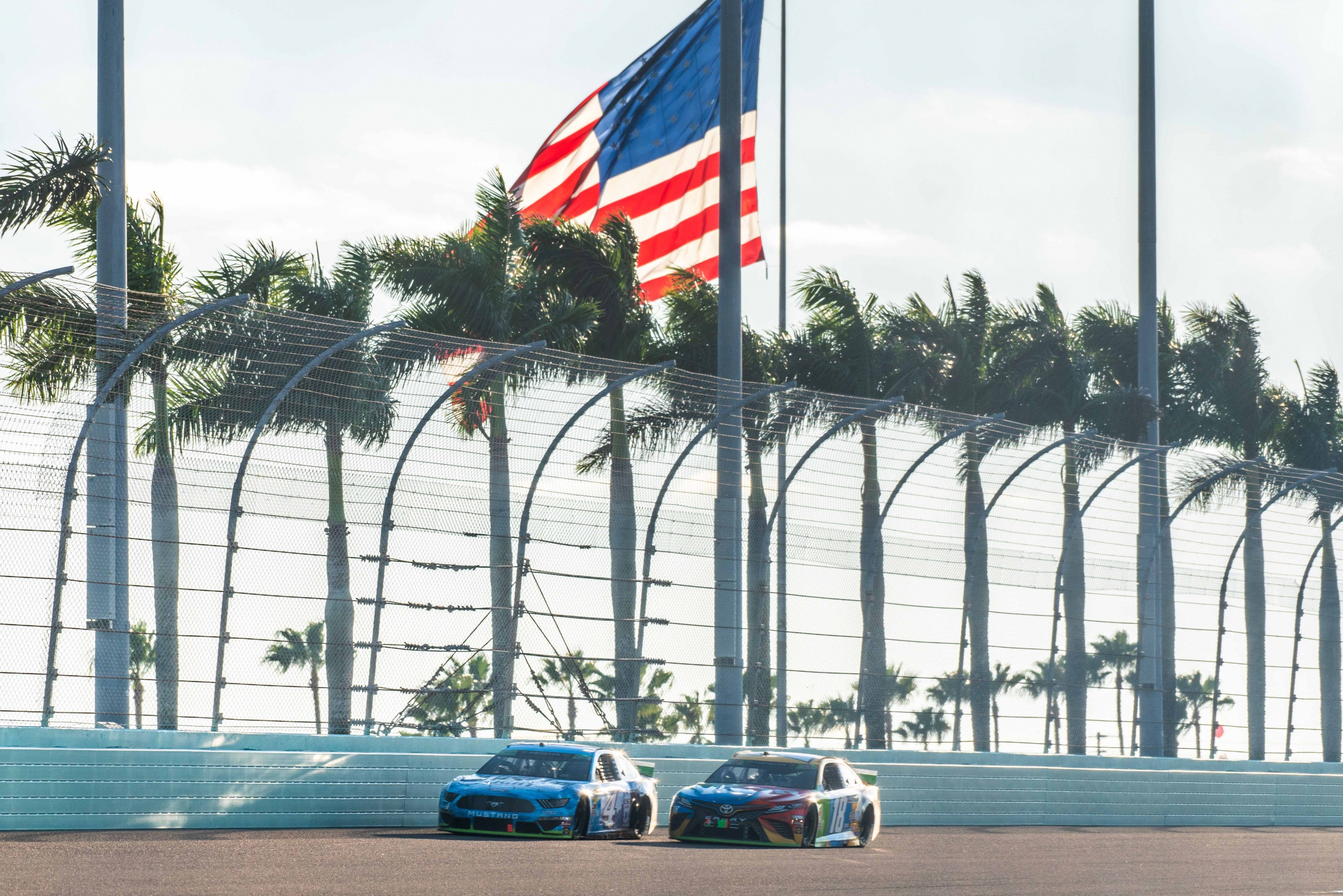 Kevin Harvick and Kyle Busch at Homestead-Miami Speedway - NASCAR