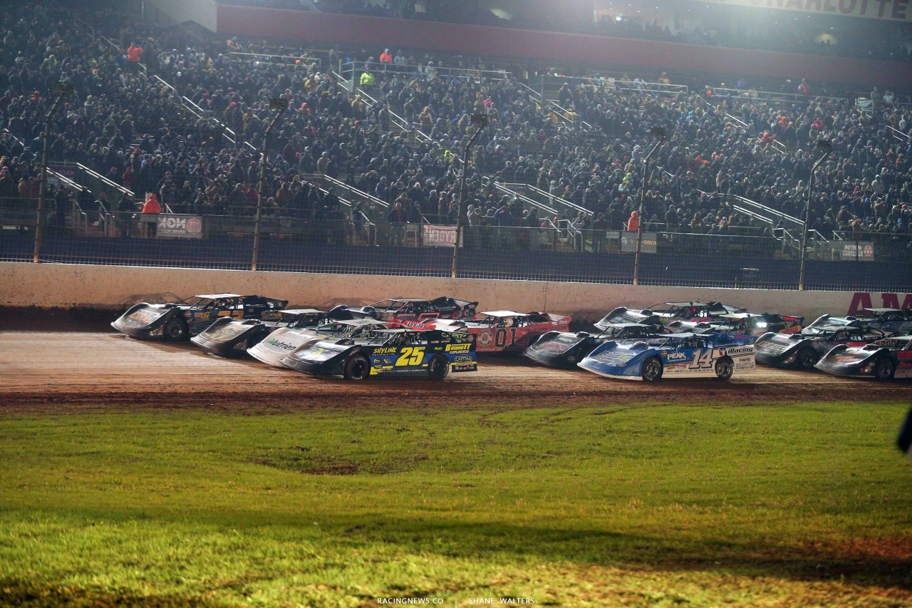 World of Outlaws World Finals - Late Model Four Wide Salute 1162