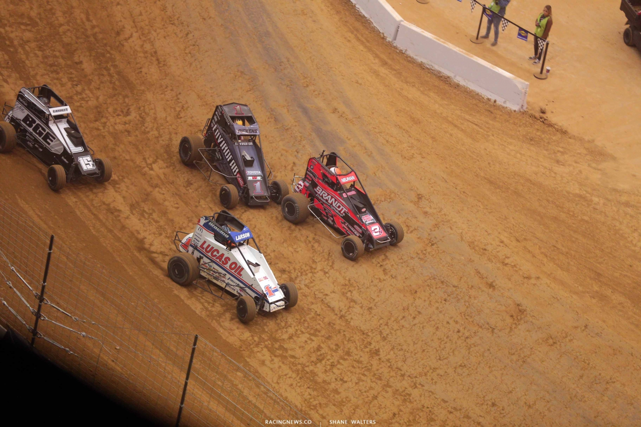 Kyle Larson and Michael Pickens in the Gateway Dirt Nationals - Dirt Midgets 2303