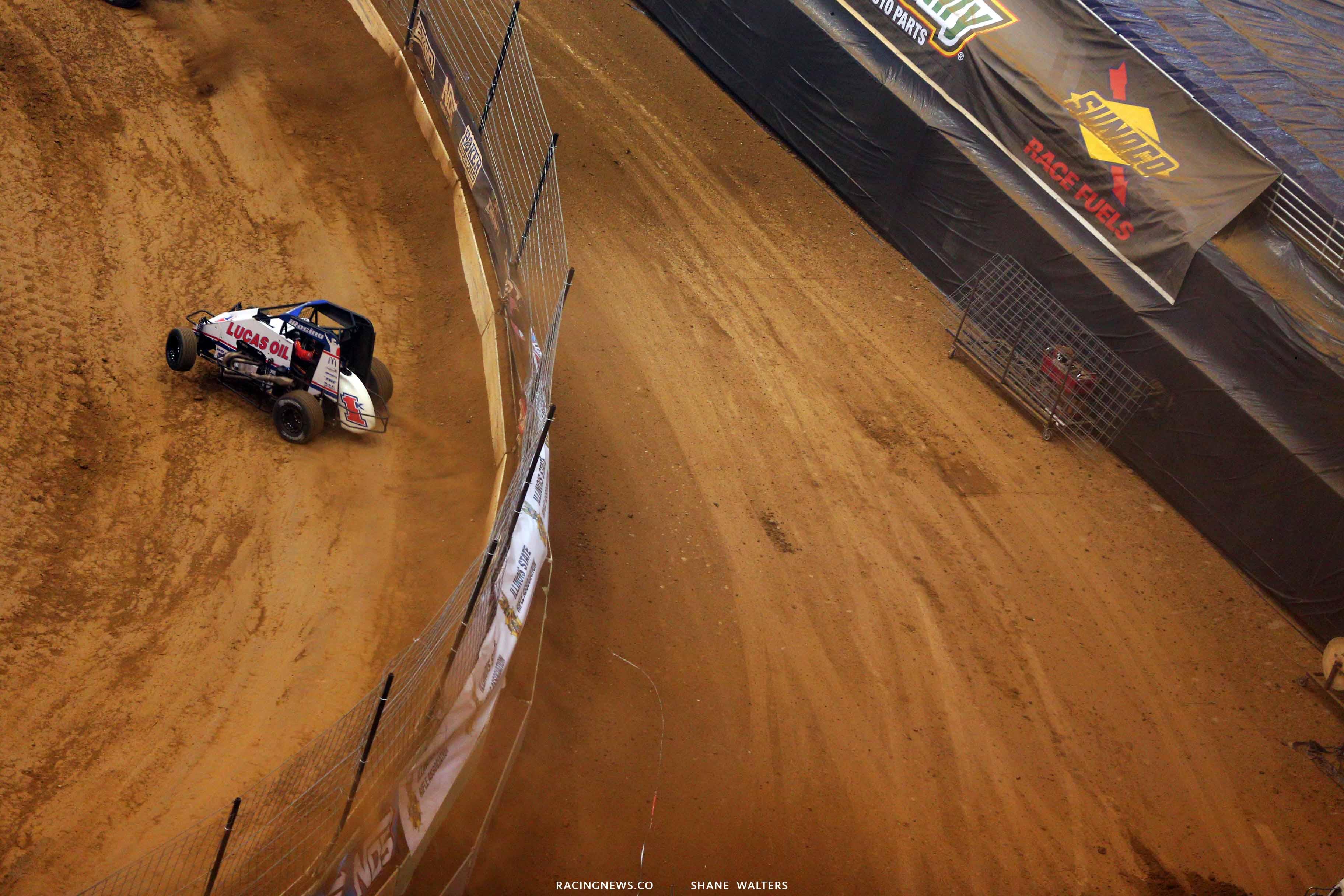 Kyle Larson in the Gaeway Dirt Nationals - Dirt Midget 2252