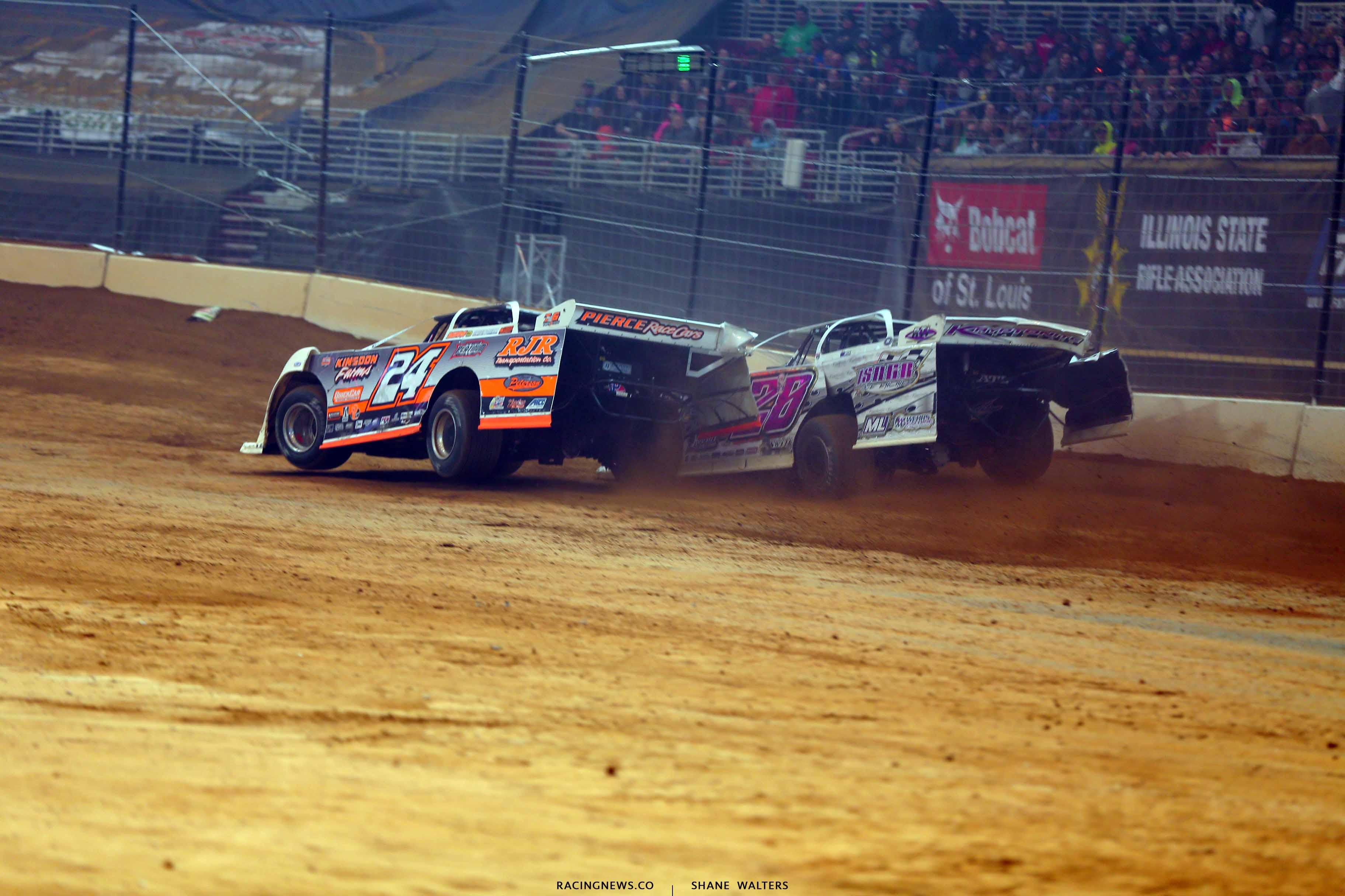 Ryan Unzicker and Tyler Carpenter in the Gateway Dirt Nationals 2594