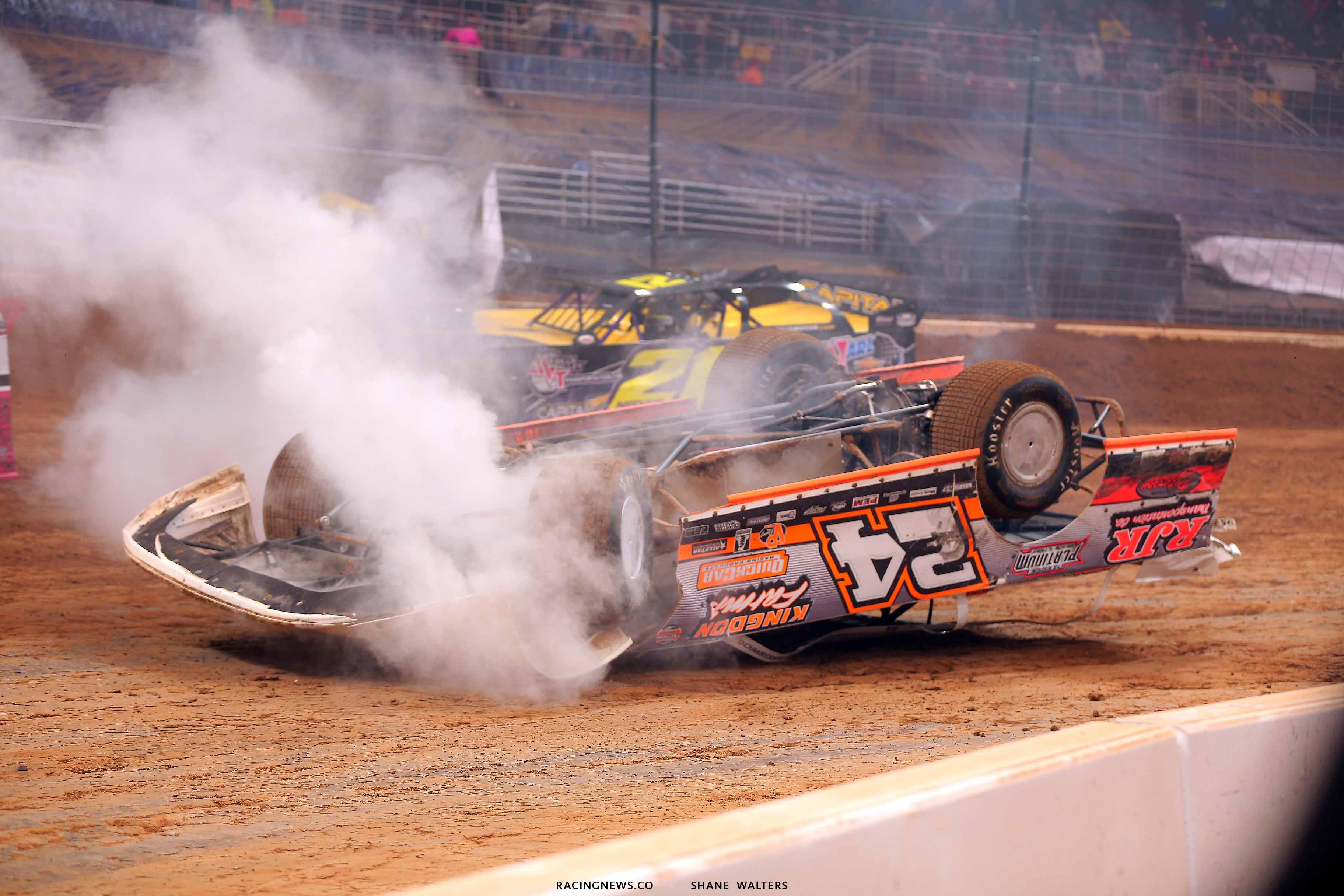 Ryan Unzicker flips in the Gateway Dirt Nationals 2611