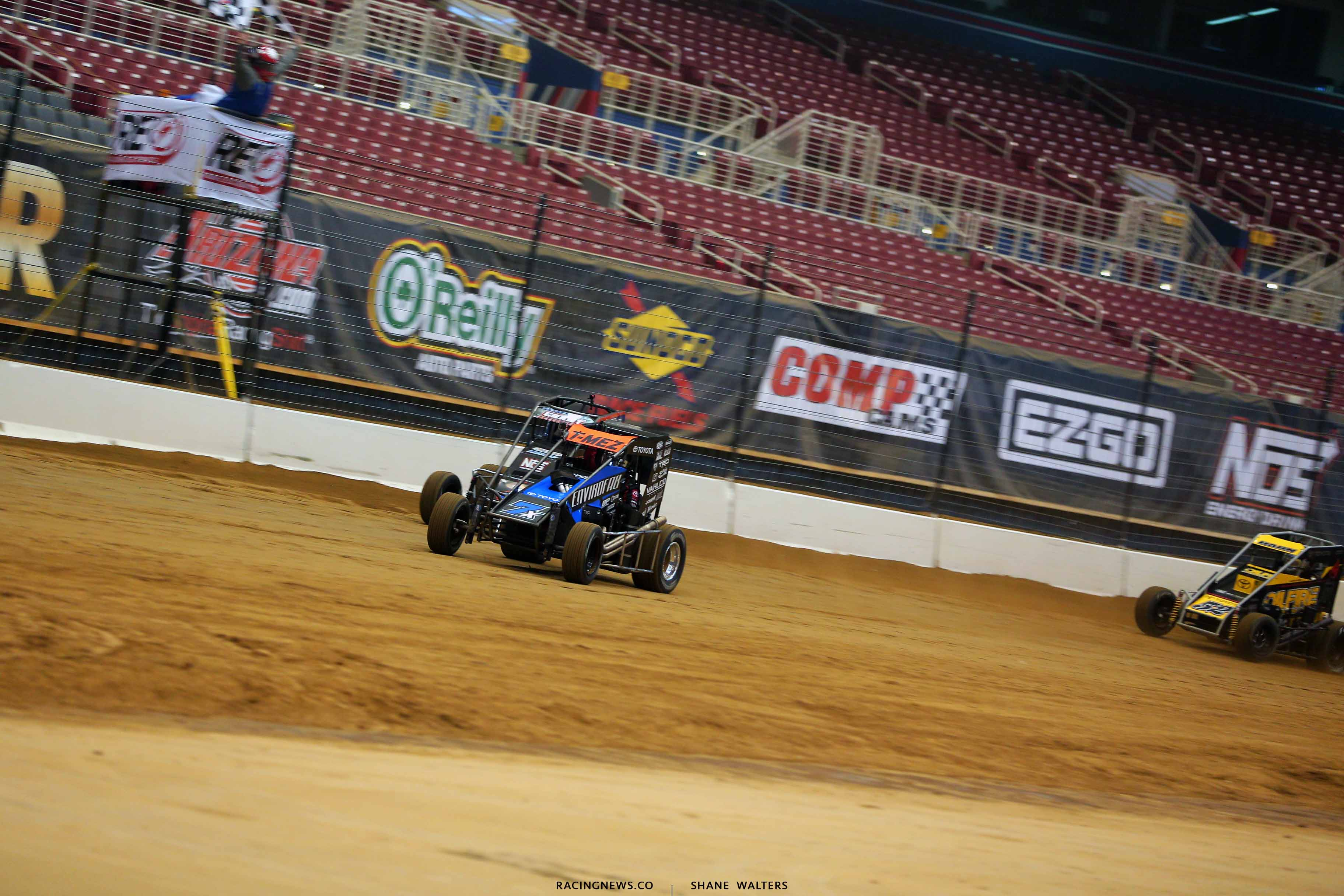 Thomas Meseraull and Justin Grant in the Gateway Dirt Nationals - Dirt Midgets 2056