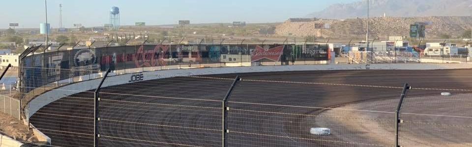 Dirt sprint car driver breaks front suspension; Still wins (Video)