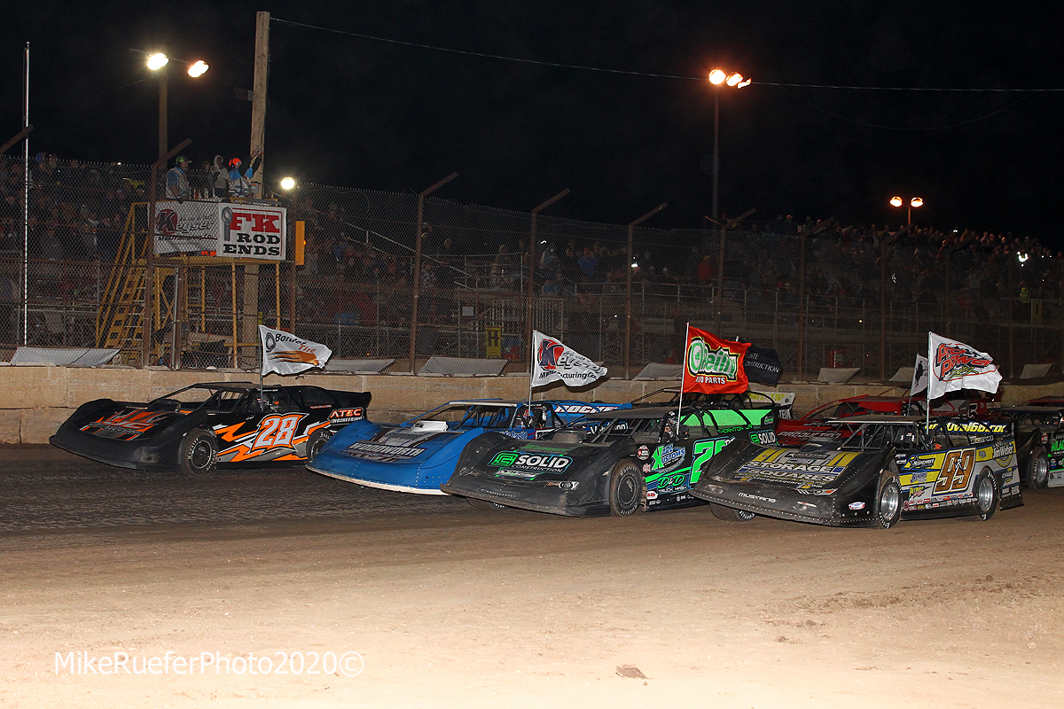 Four wide salute in the Wild West Shootout at Arizona Speedway