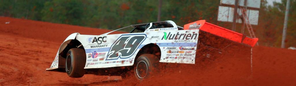 Jonathan Davenport has a new racing hauler for 2021