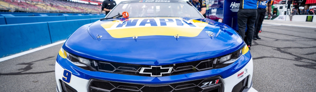Chase Elliott comments on Kyle Busch after getting spun at Darlington Raceway