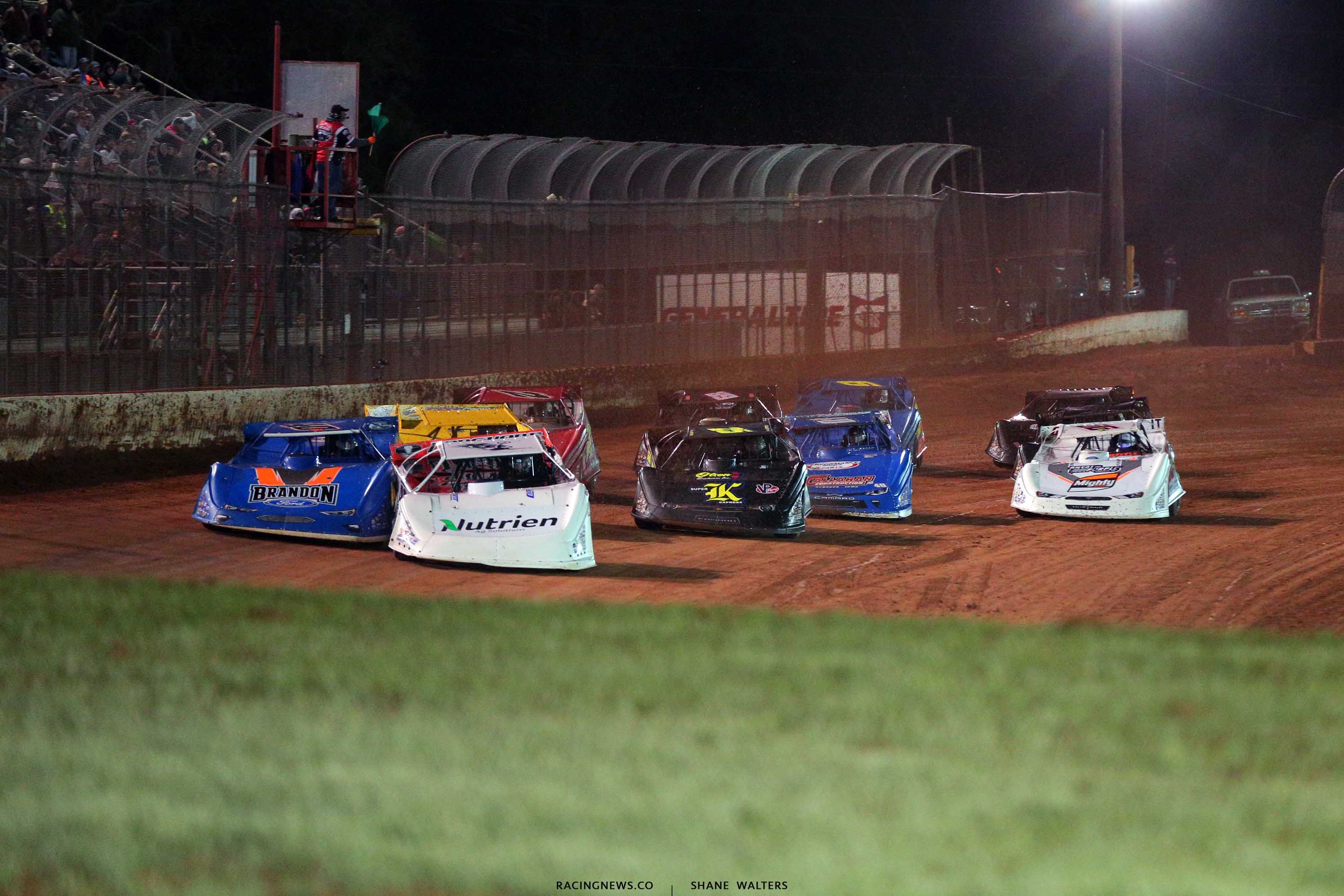 Jonathan Davenport and Kyle Bronson at Golden Isles Speedway - Lucas Oil Late Model Dirt Series 3302