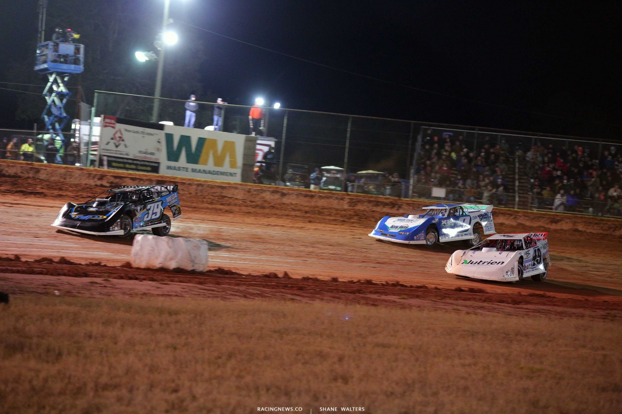 Tim McCreadie, Jonathan Davenport and Devin Moran at Golden Isles Speedway - Lucas Dirt 3370