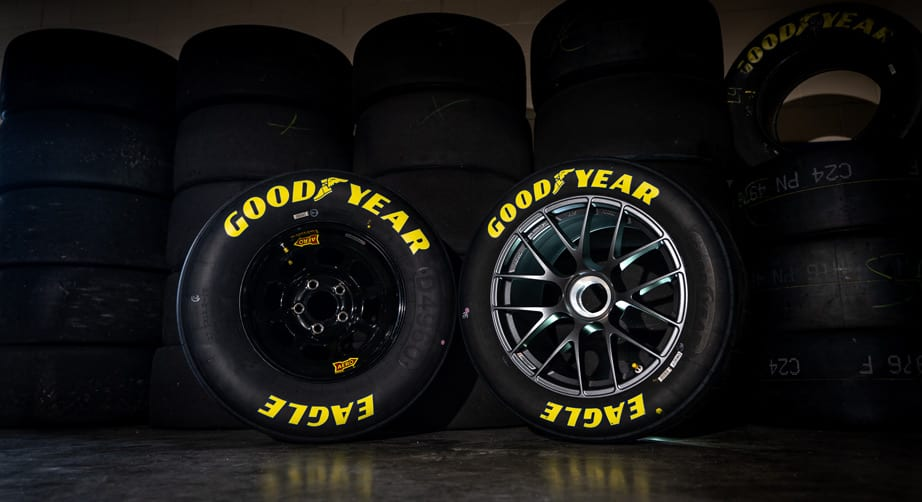 NASCAR lug nut
