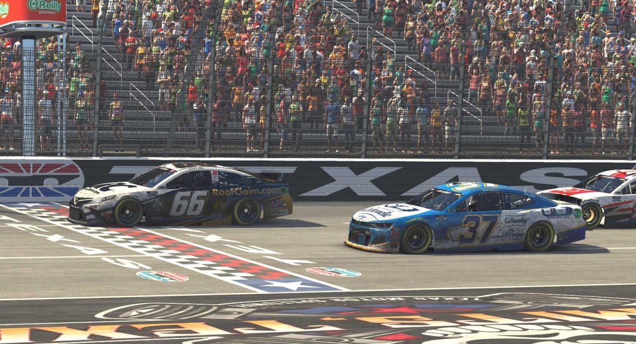 Timmy Hill and Ryan Preece at Texas Motor Speedway - NASCAR iRacing