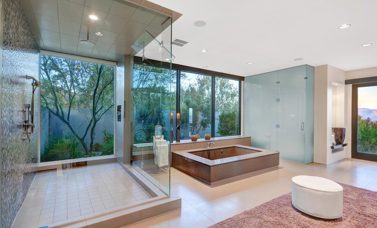 Modern bathroom - California architecture - Graham Rahal house