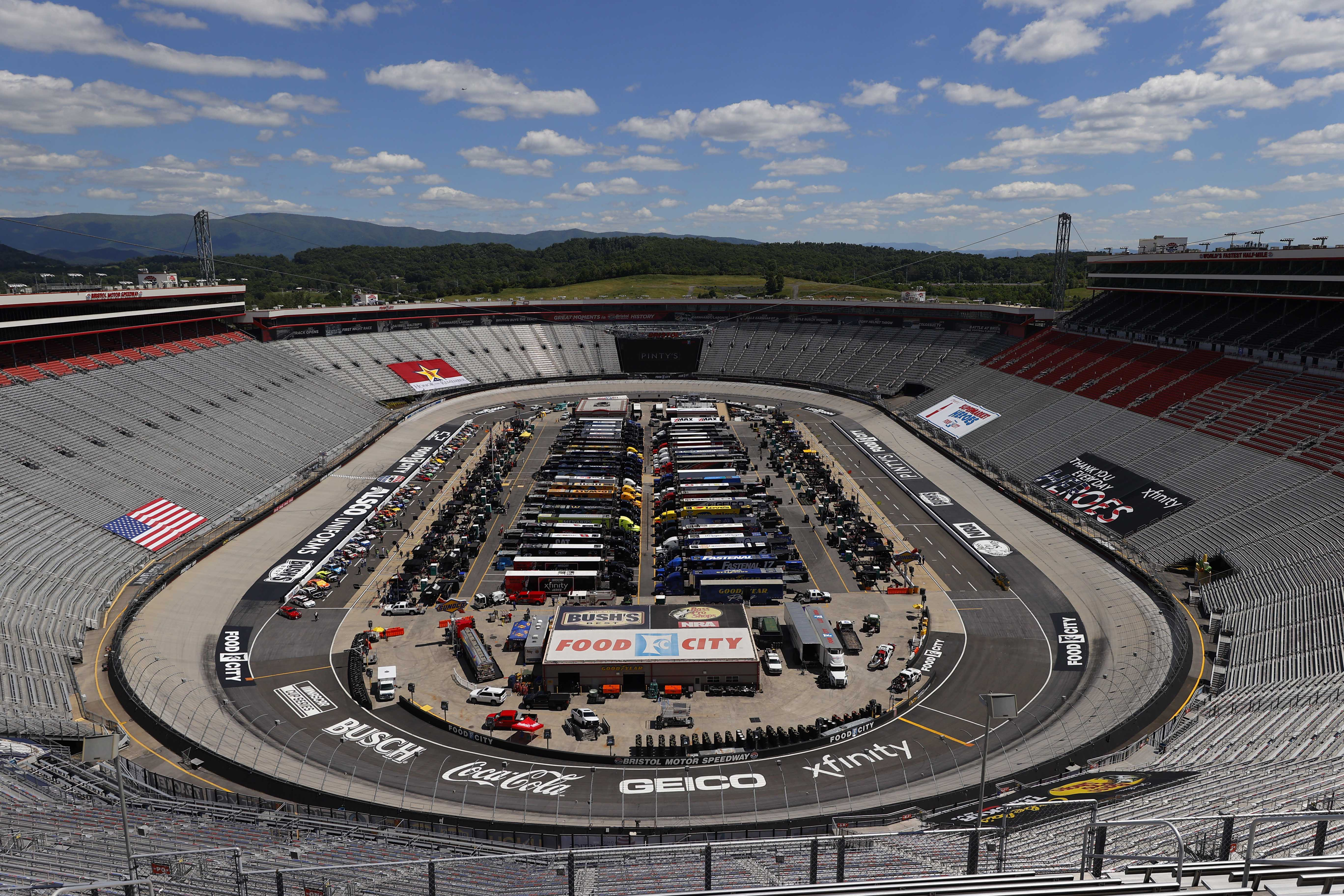 Bristol Motor Speedway without fans - NASCAR Cup Series race