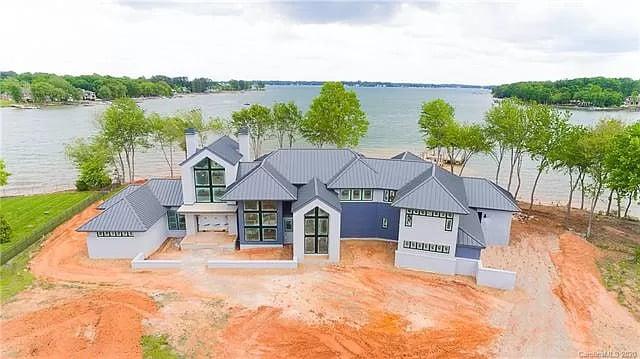 Kyle Larson - Lake Norman house