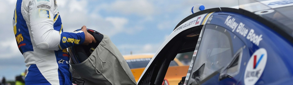 Chase Elliott penalized ahead of green flag at Phoenix Raceway