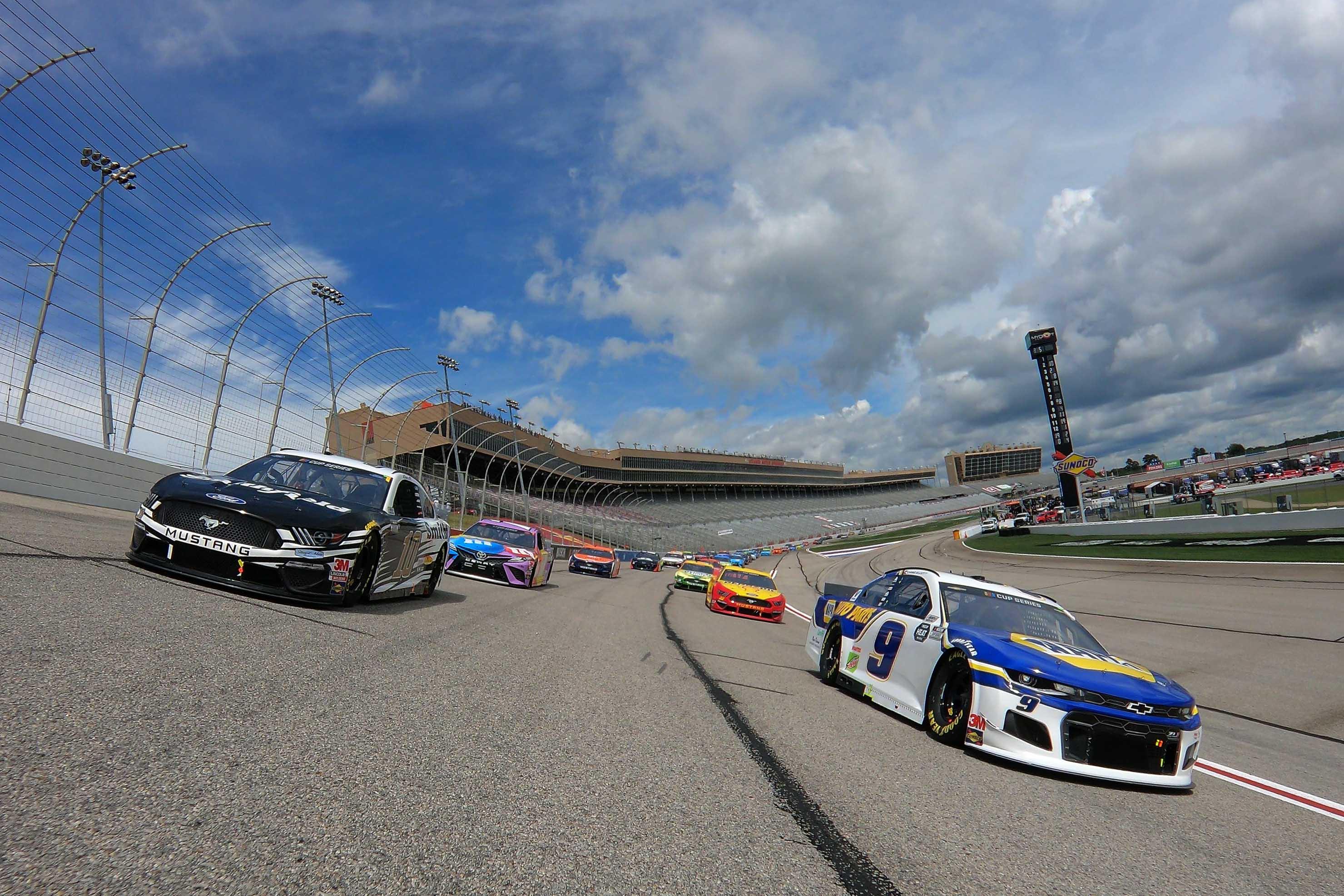 Chase Elliott and Aric Almirola - NASCAR Cup Series - Atlanta Motor Speedway
