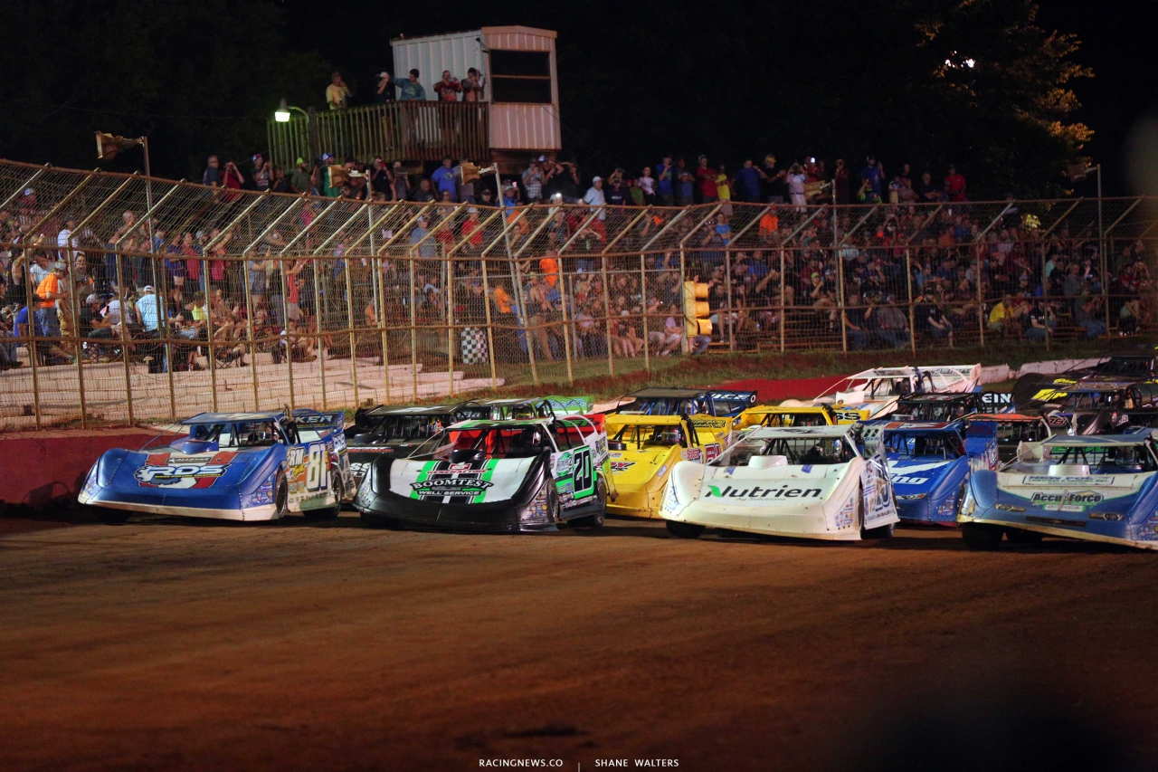 Four wide salute at The Talladega Short Track - Lucas Oil Late Model Series 7604
