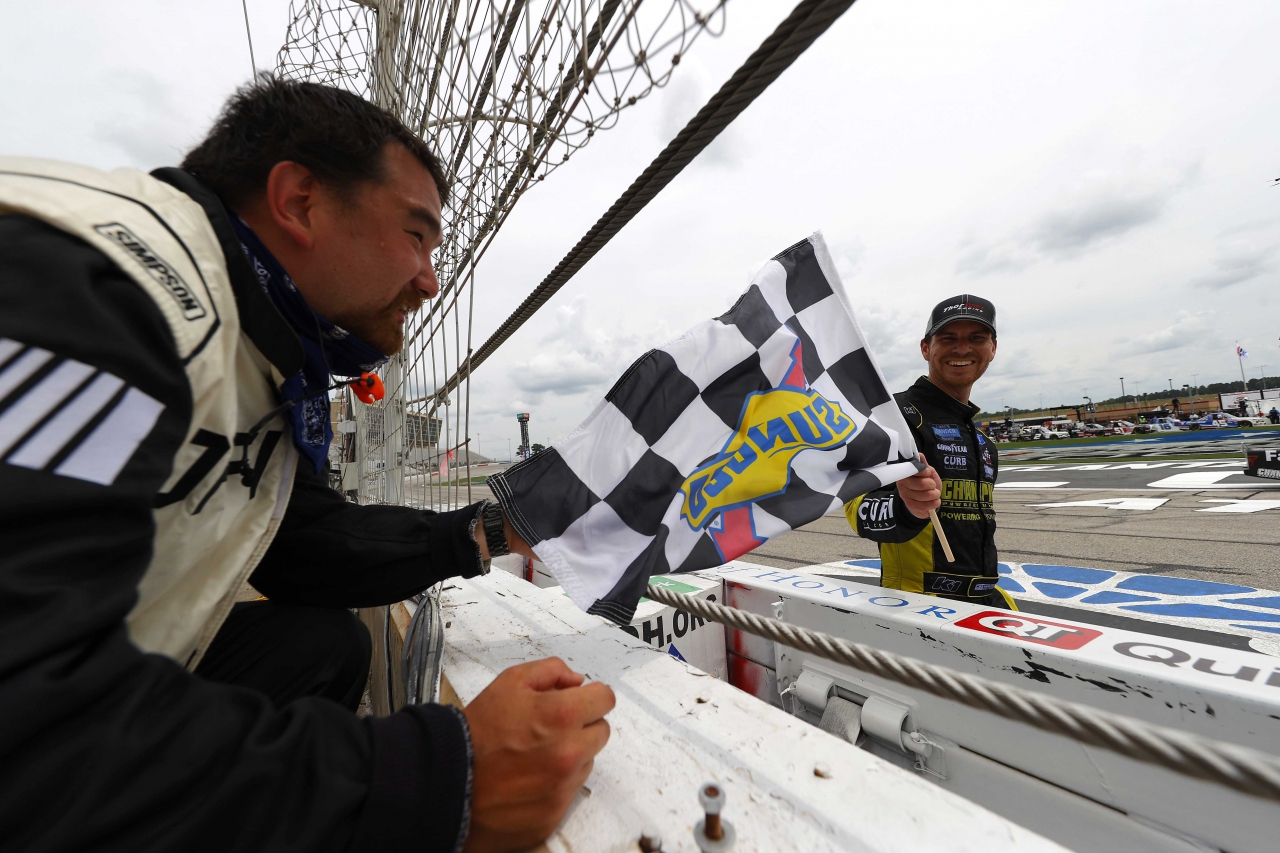 Grant Enfinger wins at Texas Motor Speedway - NASCAR Truck Series