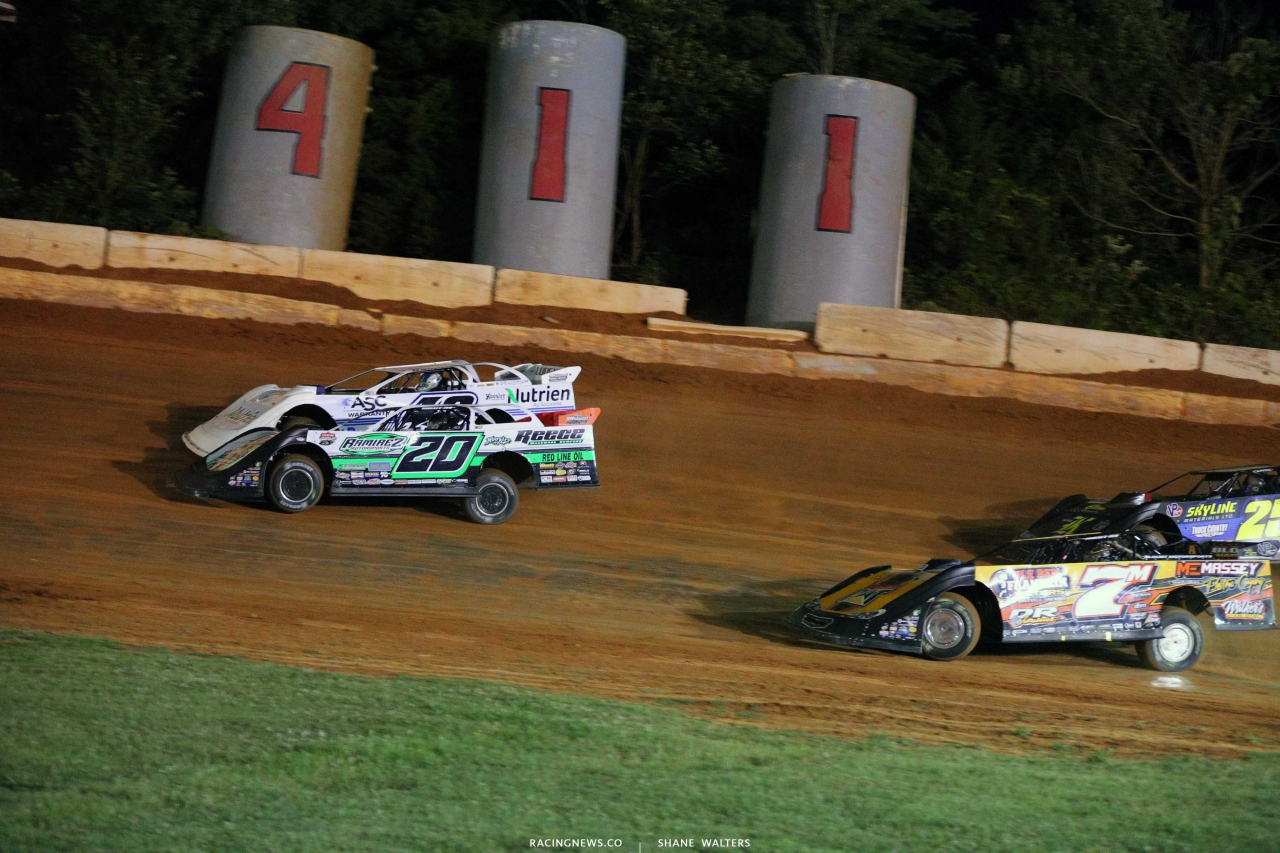 Jimmy Owens and Jonathan Davenport at 411 Motor Speedway - Lucas Oil Late Models 7367