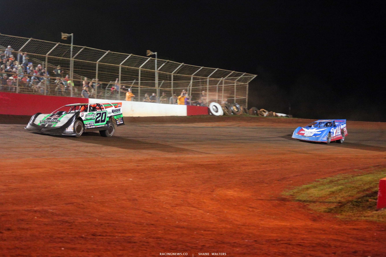 Jimmy Owens and Josh Richards on the Talladega Short Track - Lucas Late Models 7713