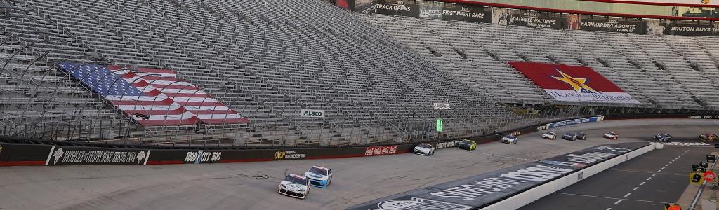 NASCAR fans to return to grandstands