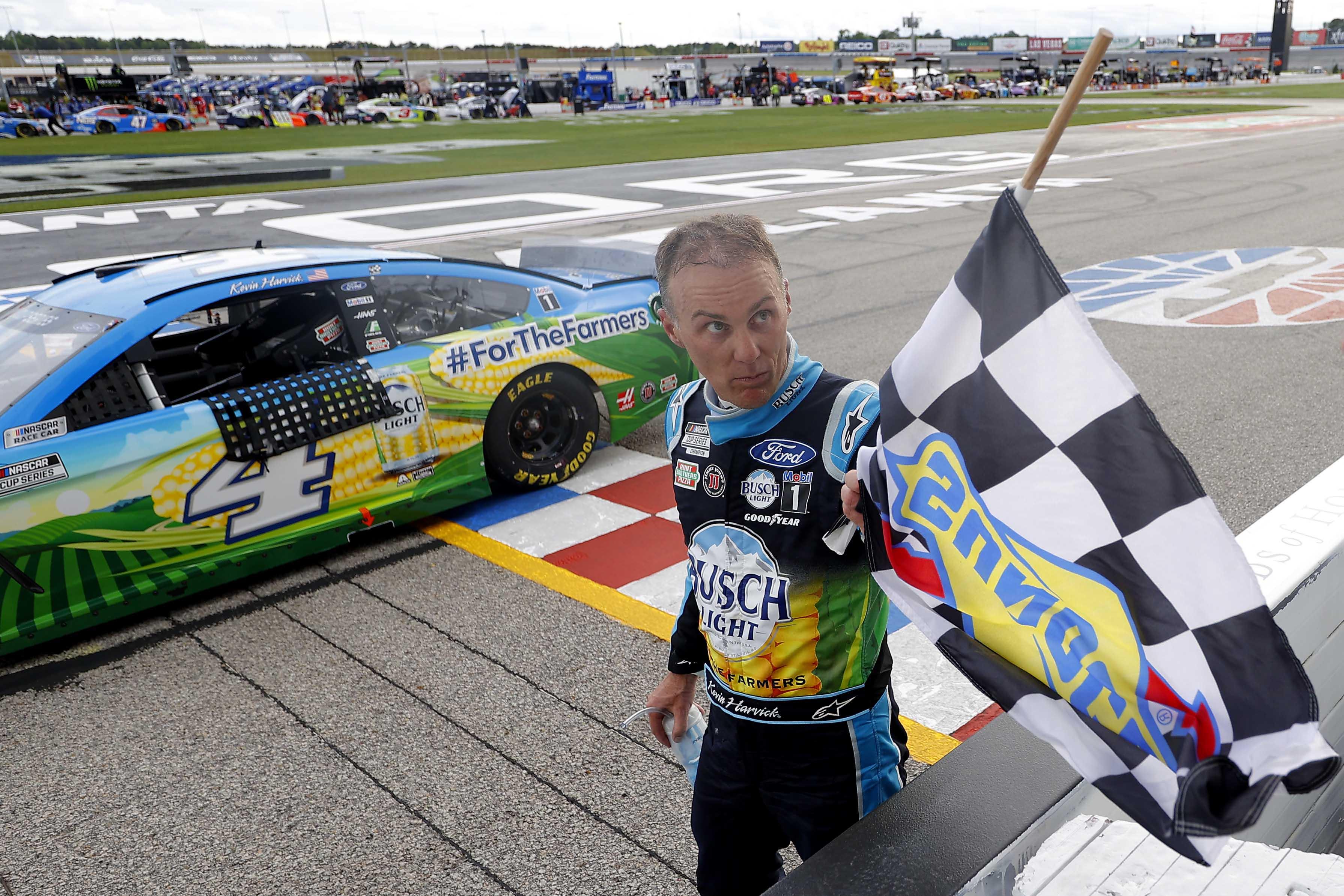 Kevin Harvick takes the checkered flag at Atlanta Motor Speedway