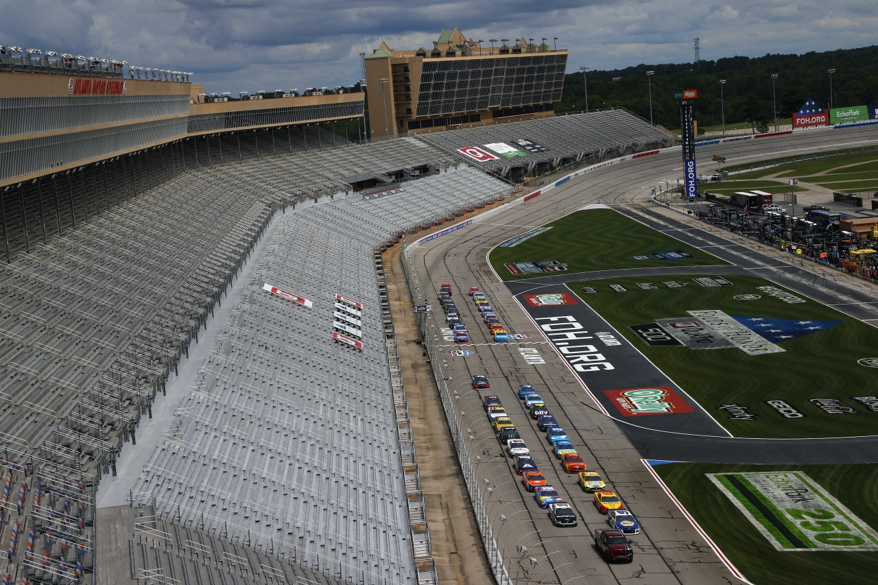 NASCAR pauses on the front stretch at Atlanta Motor Speedway