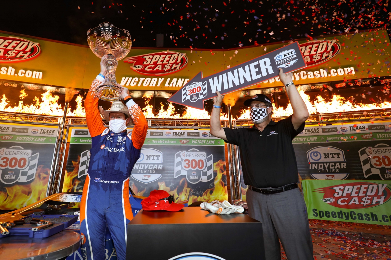Scott Dixon in victory lane at Texas Motor Speedway - Indycar Series