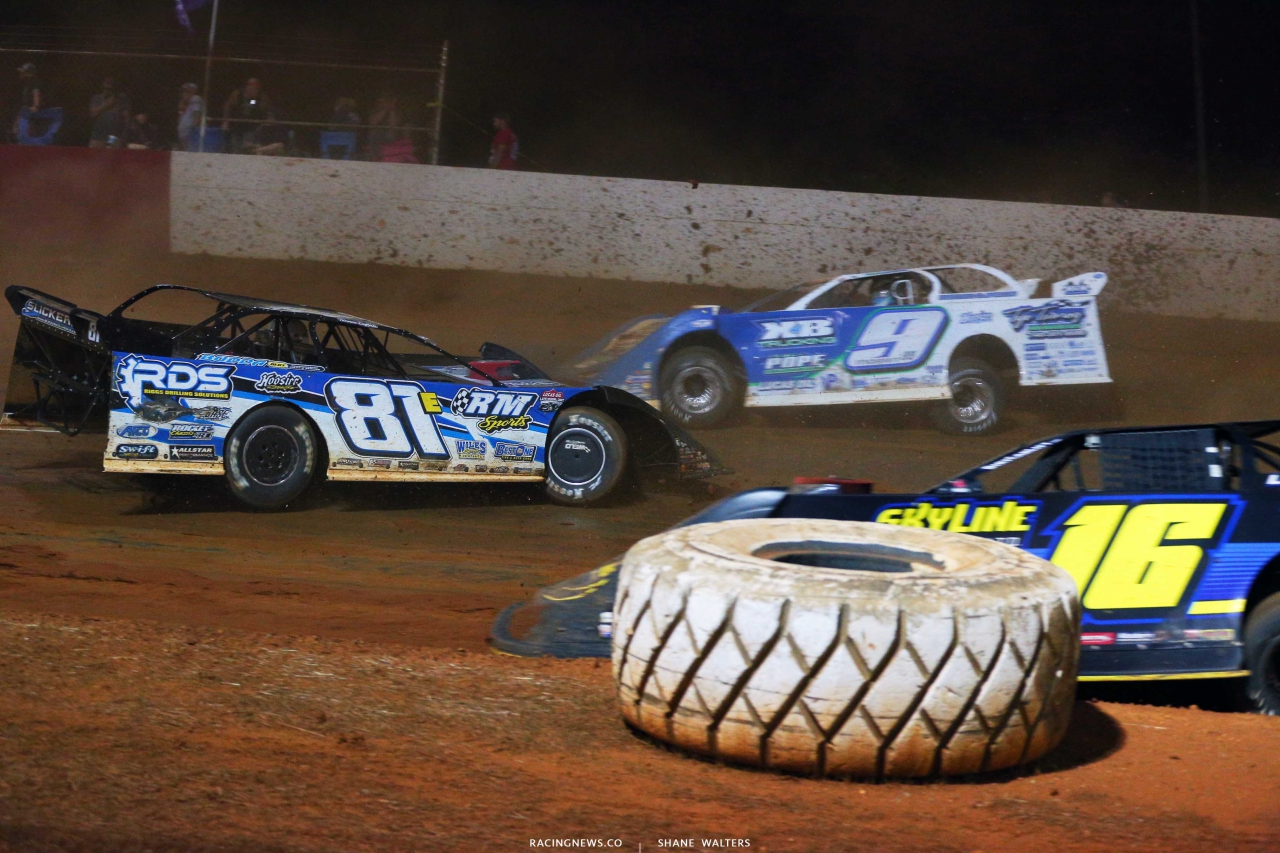 Tanner English spins at Smoky Mountain Speedway 6026