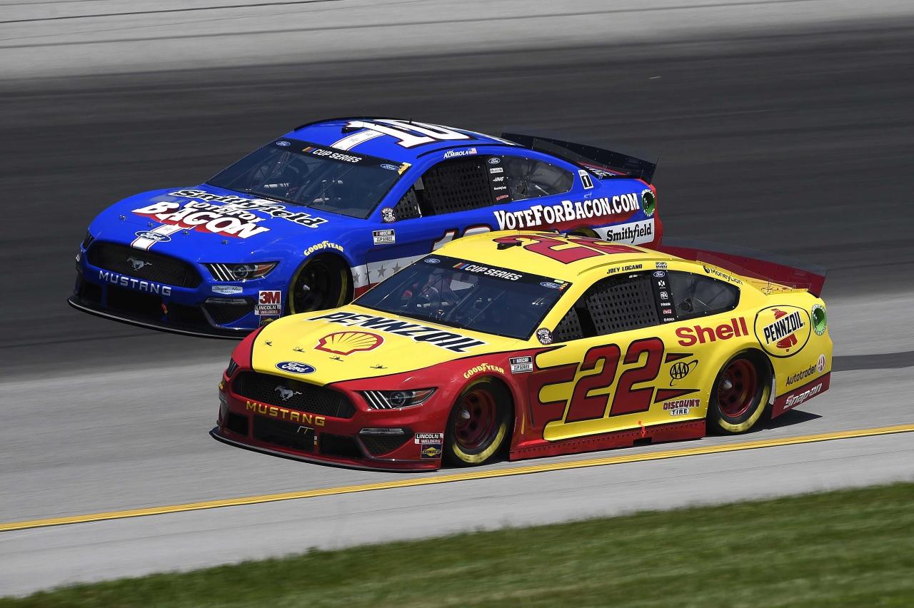 Aric Almirola and Joey Logano at Kentucky Speedway - NASCAR Cup Series